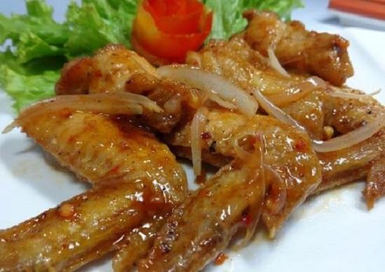 Cánh gà chiên mắm ăn đêm Hà Nội