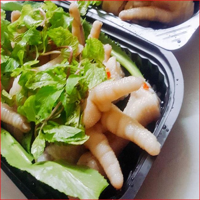 Ăn vặt Hà Nội với món chân gà sả ớt ngon