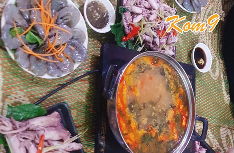 Sét lẩu hải sản chua cay 350k tại Kom9